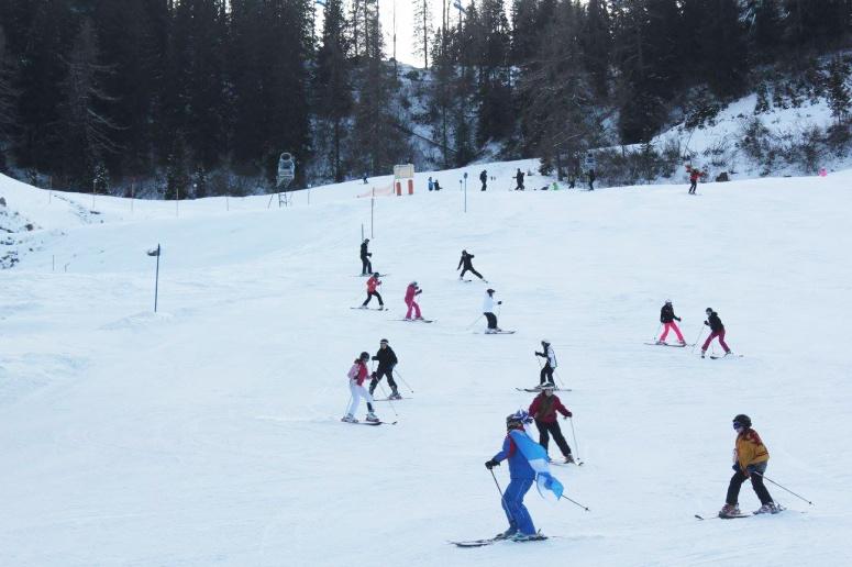 Skiing B